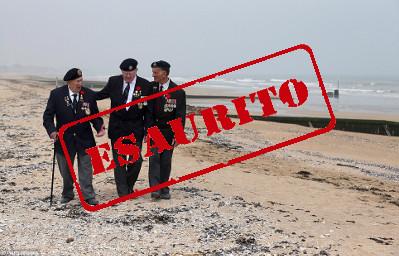 reduci sule spiagge della Normandia