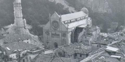 Il Duomo di Gemona del Friuli dopo il terremoto